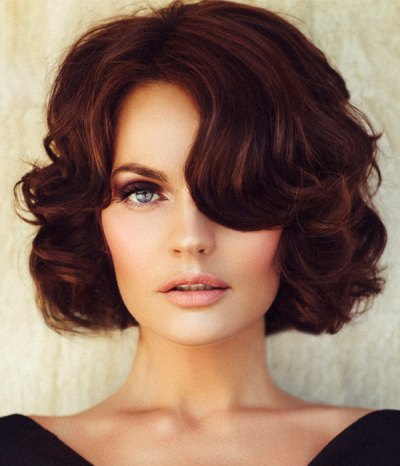 curly-hairstyles-for-medium-hair