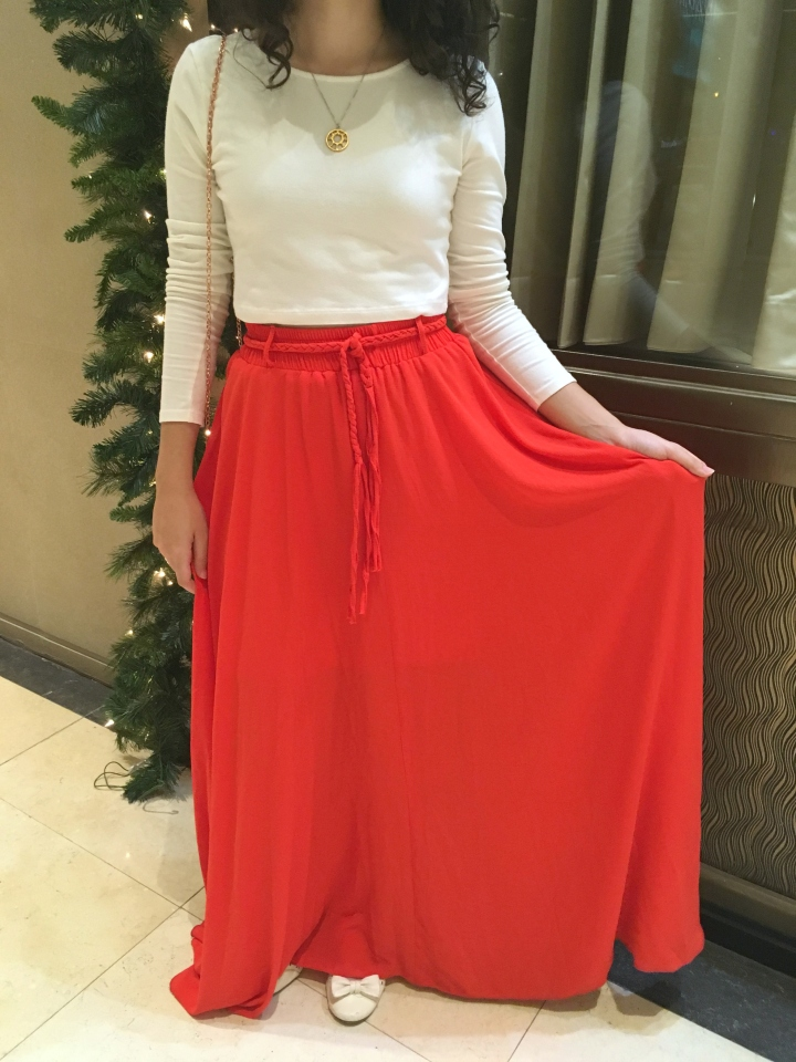 oxygene-coral-maxi-skirt-and-f21-white-long-sleeved-crop-top-fashion-blogger