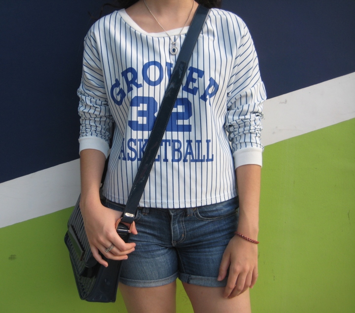 casual-blue-and-white-outfit-vs-on-fleek-panama-blogger