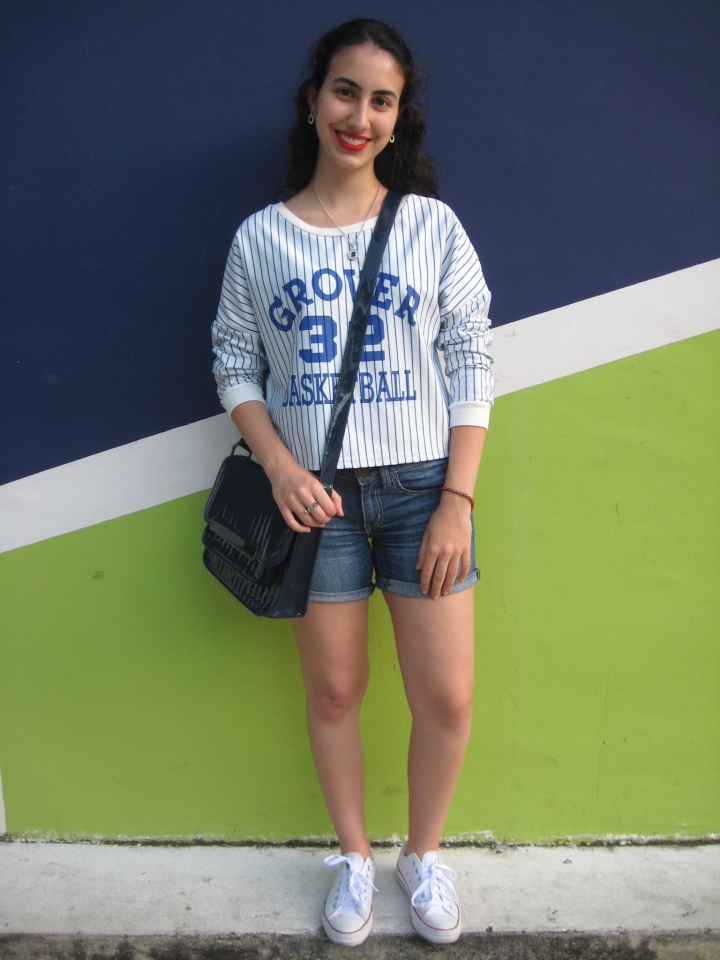 casual-blue-outfit-with-shorts-vs-on-fleek-panama-blogger