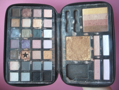Forever 21 Eyes & Face Glow Kit palette V's on Fleek blogger Panama