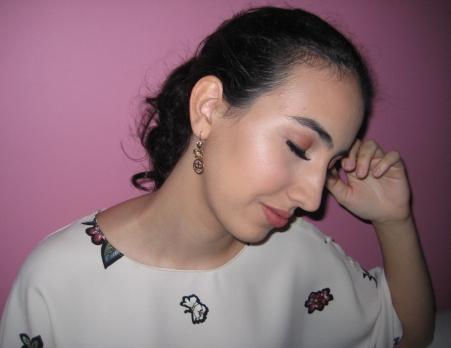 Makeup tutorial V's on Fleek Vanessa blogger Panama