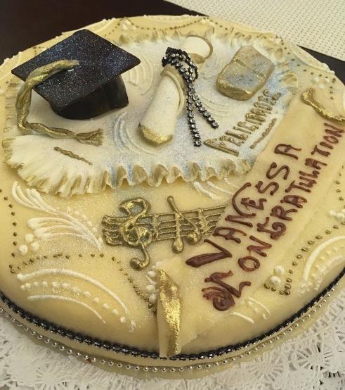 La Suiza Panama Graduation Cake